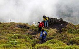 30 Tenda Hancur Diterjang Badai Di Gunung Guntur