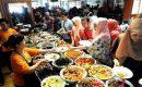 Ngantri Makanan Di Warung Nasi Bancakan Bandung