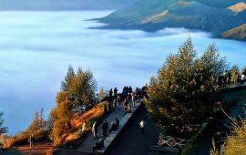 Berburu Golden Sunrise Gunung Bromo di Penanjakan
