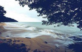 Tempat Wisata Pantai Terindah di Riau Yang Harus Anda Kunjungi