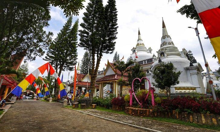 Wisata Religi Vihara Vipassana Graha Lembang Bandung