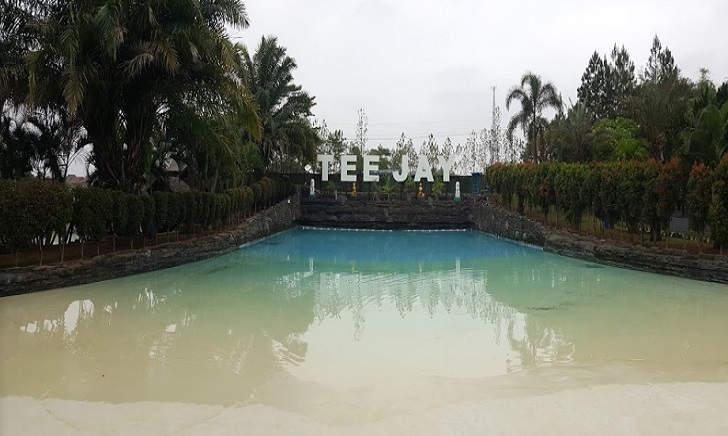 Kolam Ombak Teejay Waterpark