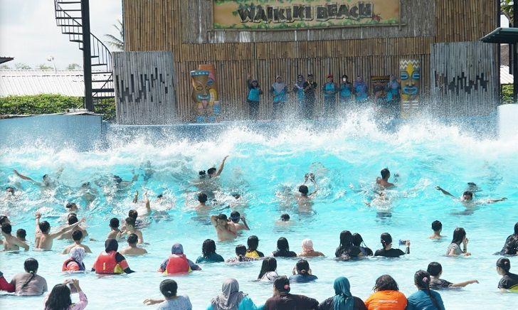 tsunami hawai waterpark