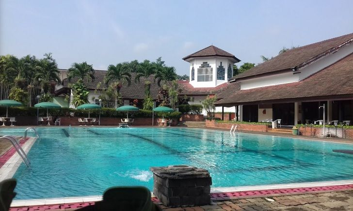 Kolam Renang villa Duta